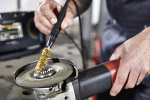 Prüfen elektrischer Betriebsmittel nach DIN VDE 0701-0702