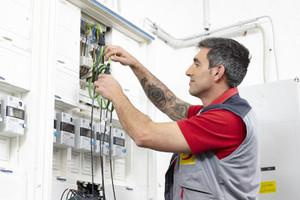 Prüfen elektrischer Anlagen nach DIN VDE 0100-600 & DIN VDE 0105-100